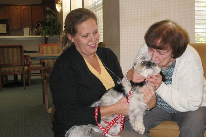 Pet Therapy for the Elderly | Aged Care Guide - Total Pets
